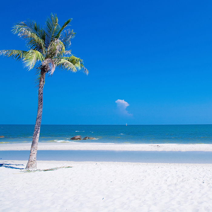 sunny hua hin beach thailand