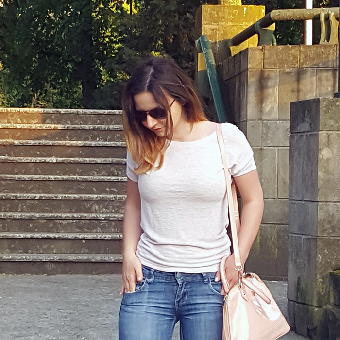 shades of pink ripped jeans ootd_ft