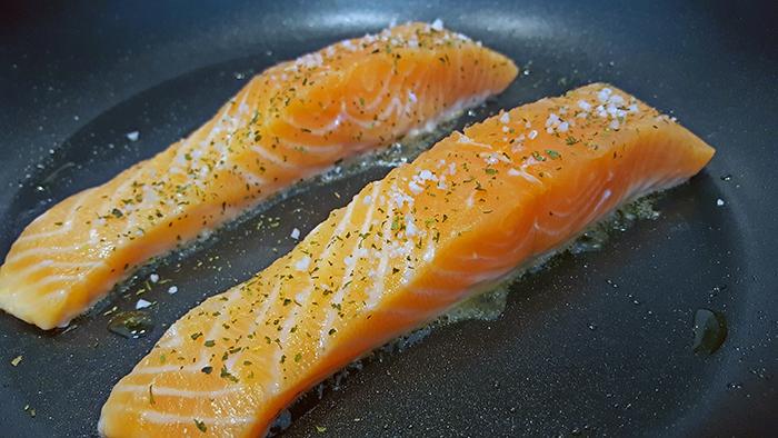 salmon steak pan