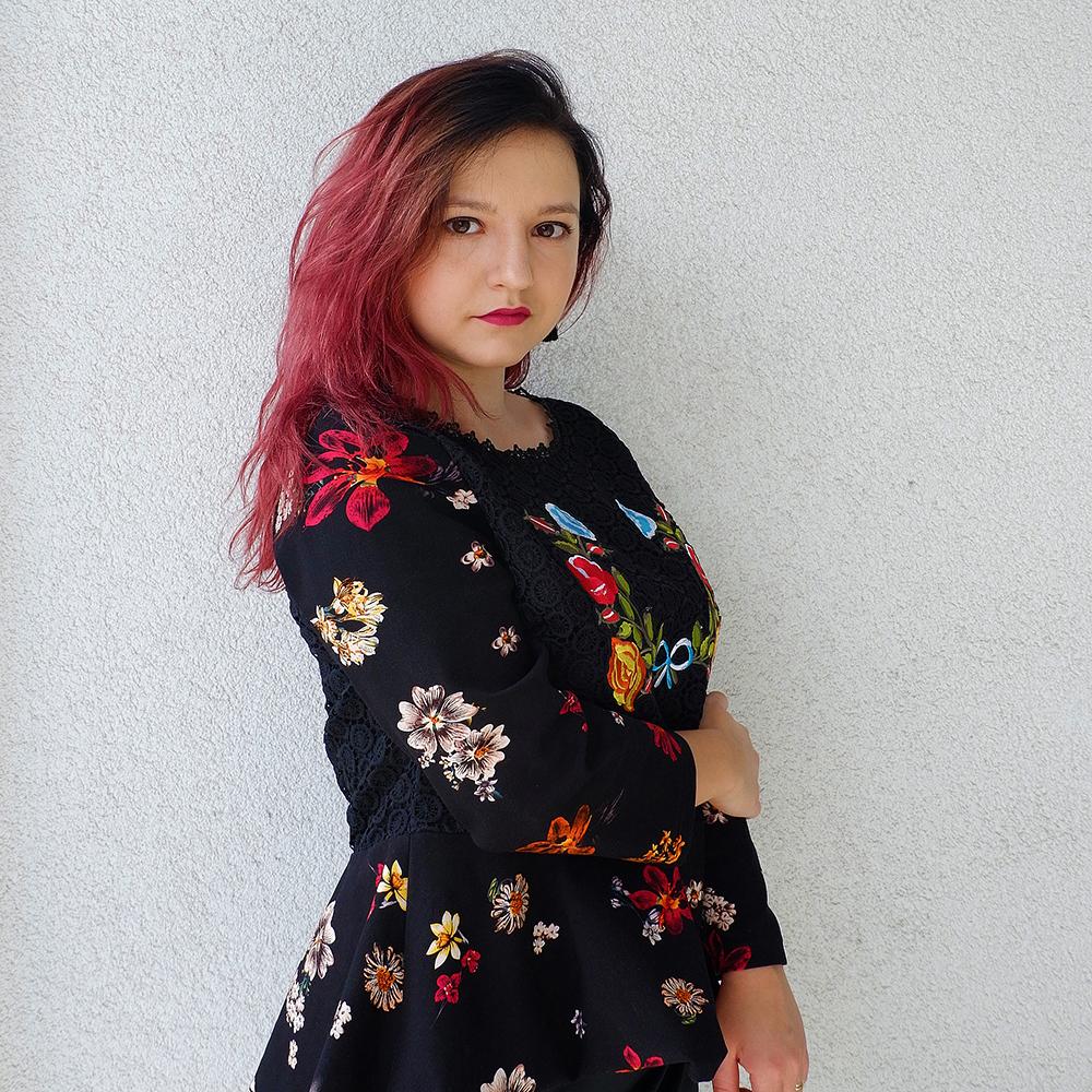 Feminine Fall Fashion : Embroidery & Lace
