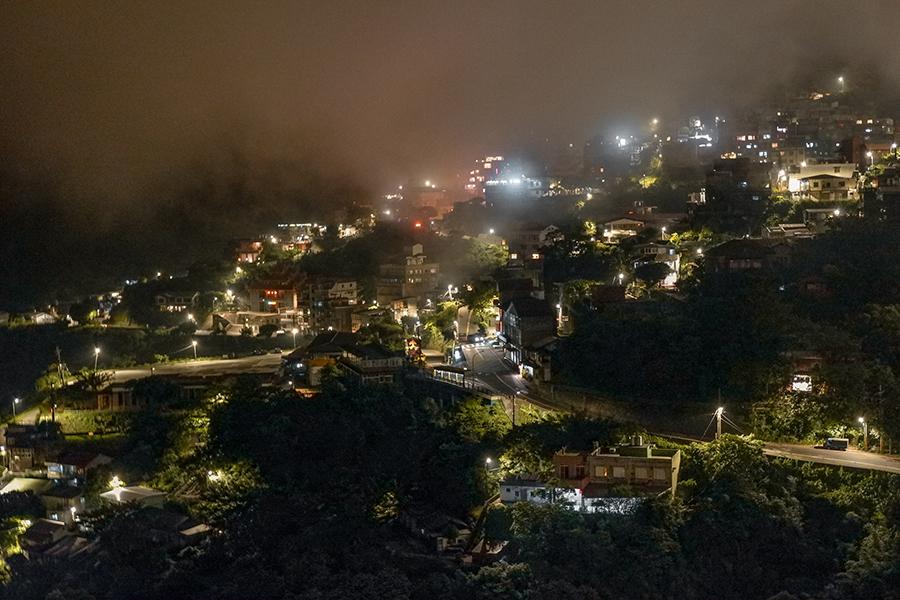 jiufen taiwan at night