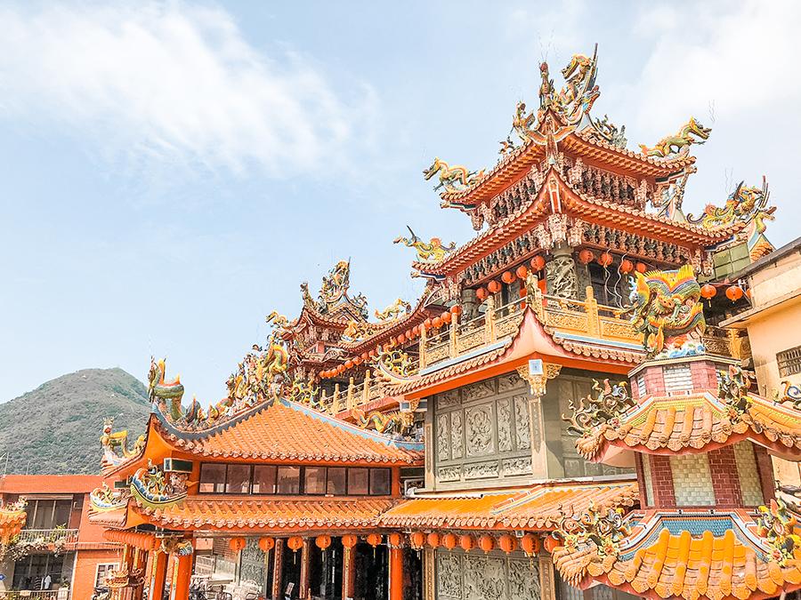 jiufen taiwan temple