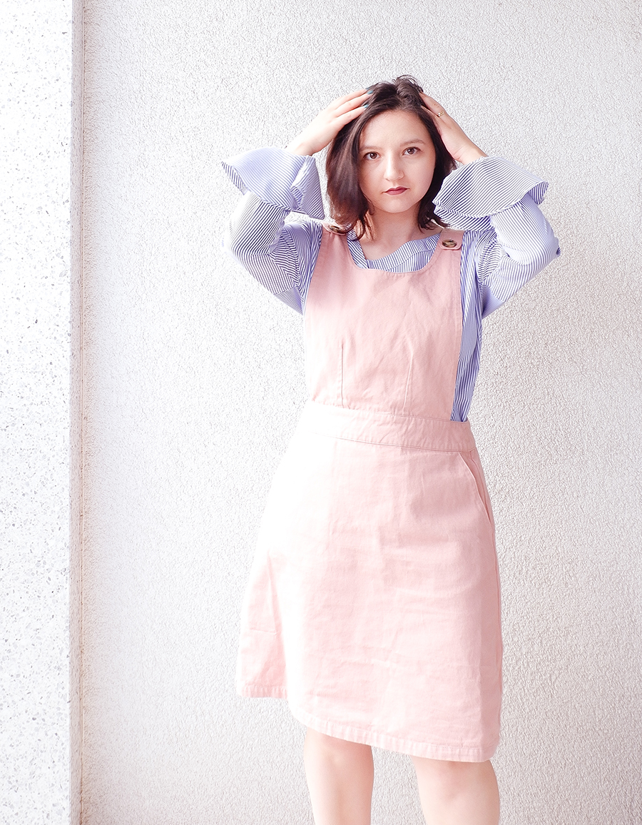 back to school outfit- apron pinafore pink - joanie clothing 5