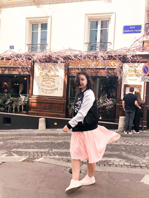 paris 2-day itinerary montmartre cafe